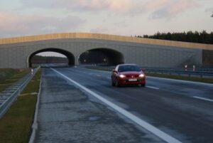 Raz, że najnowocześniejsza autostrada w Polsce, A2, że betonowa