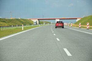 KIEROWCY: beton na drogach to dobre rozwiązanie